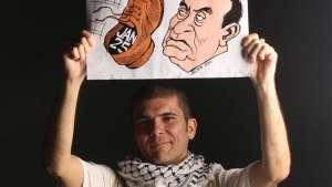 کارلوس لاتوف با کارتونهای خنجرگونش همسنگر ستمدیدگان جهان است